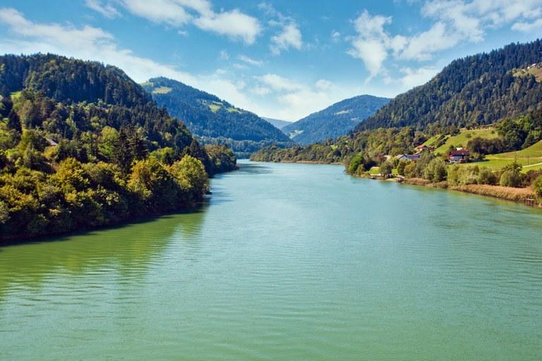 Čista voda za zeleno Slovenijo: Evropska sredstva za odvajanje in čiščenje odpadne vode v porečju Drave v občini Šentilj