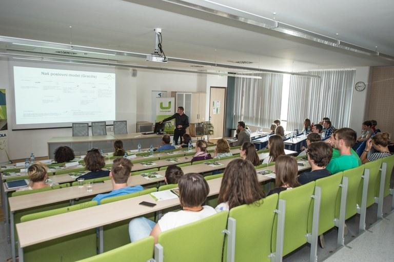 Evropska sredstva za mobilnost študentov iz socialno šibkejših okoljih na Univerzi Ljubljana