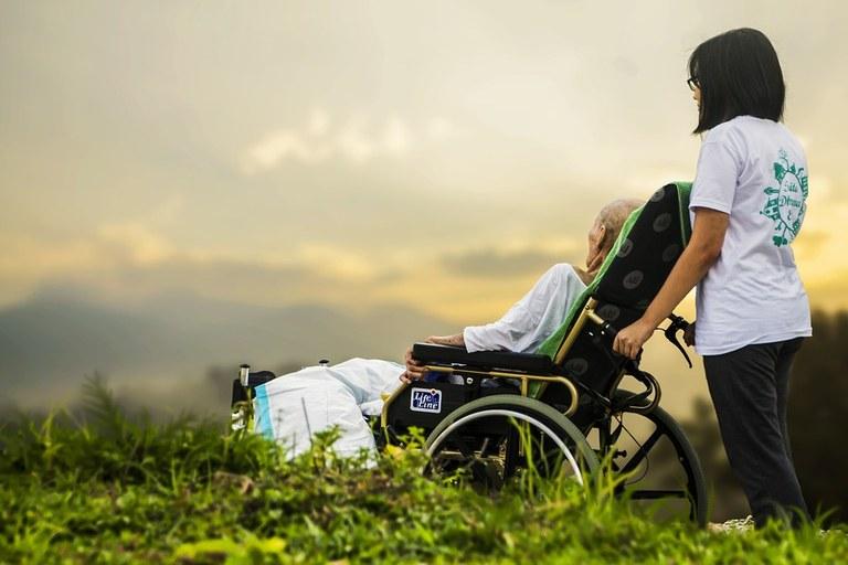 Evropska sredstva za nakup osebnih vozil za izvajanje invalidskega varstva in obravnave v skupnosti