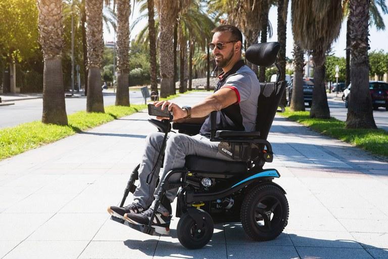 Poenostavljamo življenje invalidom: Evropska sredstva za izboljšanje dostopnosti blaga in storitev za invalide z Evropsko kartico ugodnosti
