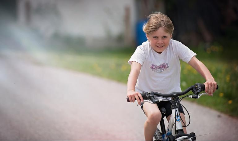 Spodbujamo trajnostno mobilnost: Evropska sredstva za kolesarsko povezavo Prevalje-Poljana