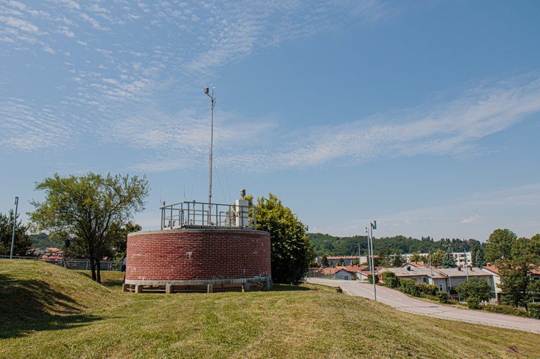 V Novi Gorici odprli prenovljeno merilno mesto za kakovost zraka
